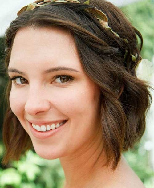 Bridal Bob Hairstyles for Short Hair Updos-12