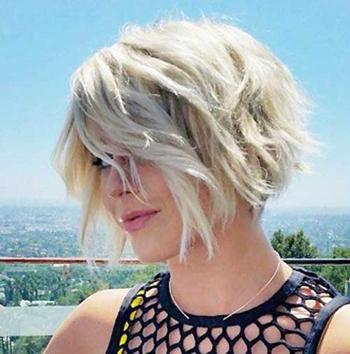 Hairstyles for Choppy Short and Wavy Hair-12