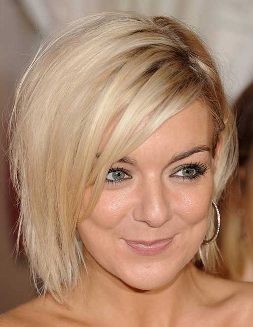 Short Mid Hairstyles for Fine Straight Hair-12