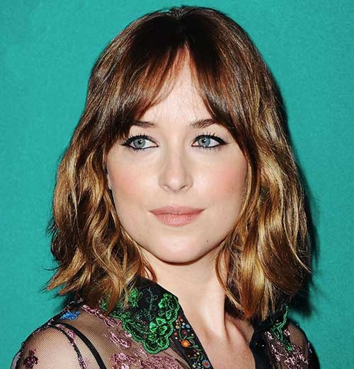 Medium Short Haircuts Curtain Bangs 2019-13