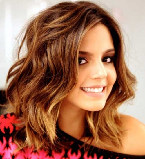 Medium Short Soft Waves Haircuts 2019-15