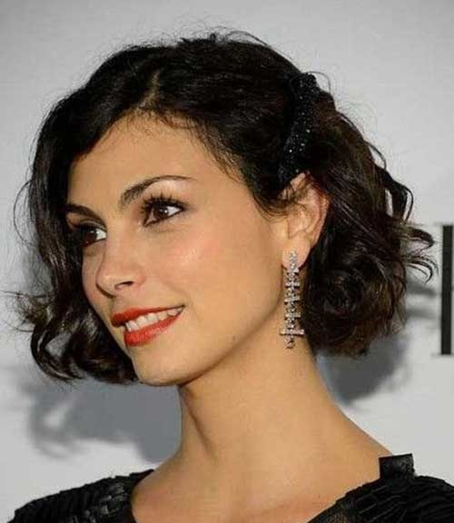 French Hairstyles for Short and Wavy Hair-15