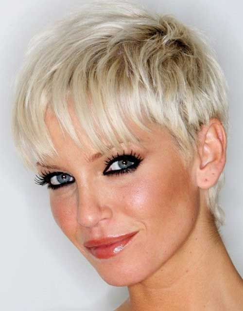 Short Pixie Hairstyles for Fine Straight Hair-15