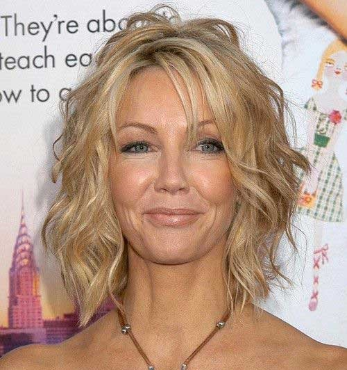 Shaggy Hairstyles for Short and Wavy Hair-16