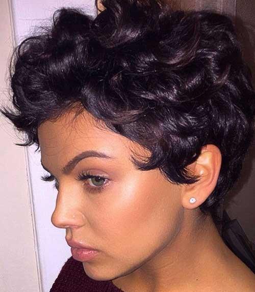 Cute Short Haircuts for Curly Hair-17