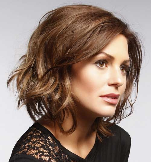 Medium Short Wavy Haircuts 2019-18