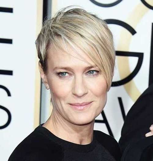 Over 50 Short Hairstyles for Fine Straight Hair-20