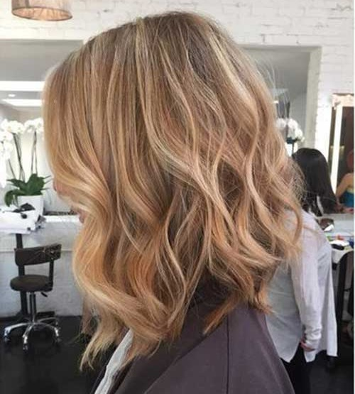 Best Wavy Long Bob Haircuts-7