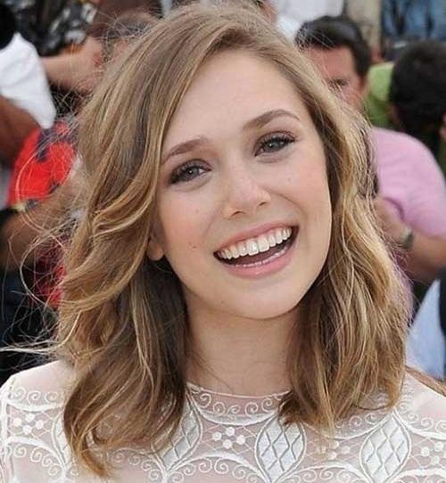 Cute Medium Short Haircuts For Women Who Love Chic Look