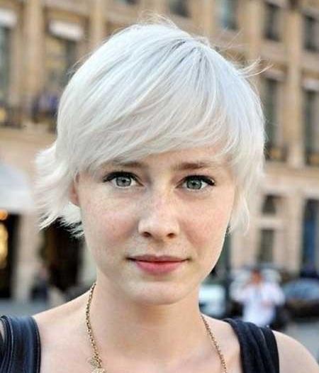 Trendy Hair Colors for Short Hair