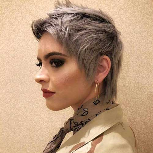 Short Choppy Mullet Hairstyles for Women-10