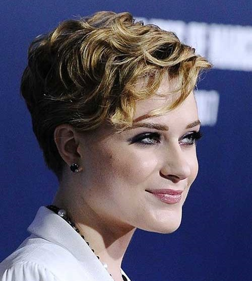 Short Curly Pixiehairstyles for Women-10
