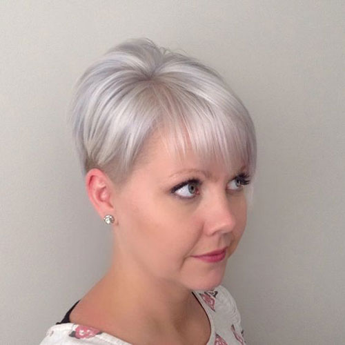 White Blonde Short Haircuts for Thin Hair-11