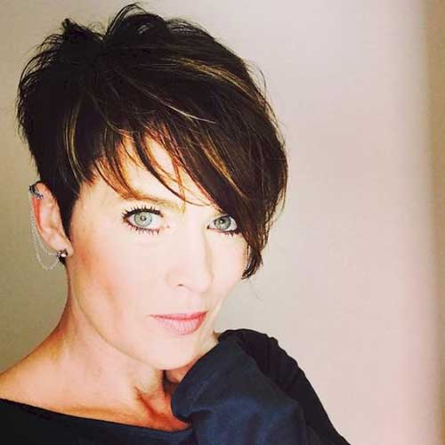 Long Pixie Cut Styles for Over 40-16