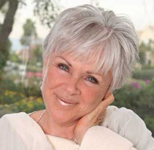 Cute Short Haircuts for Women Over 50-17