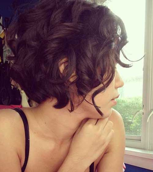 Short Curly Bob Hairstyles for Women-17