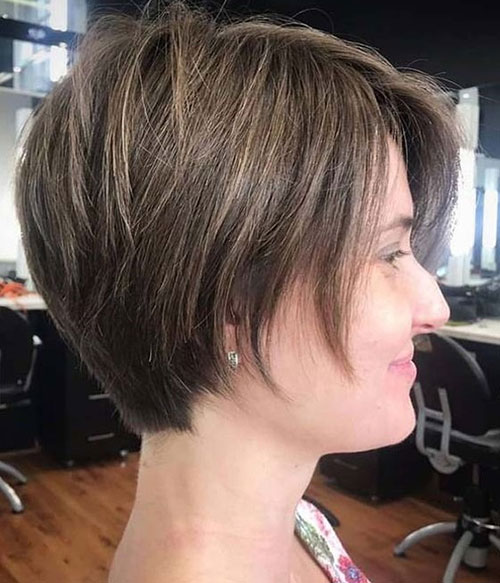 Short Layered Haircuts for Thin Hair-18