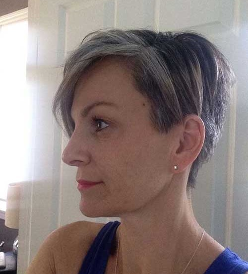 Side View Short Haircuts for Women Over 50-19