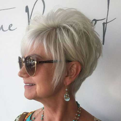 Pixie Bob Cut with Layers for Ladies Over 60-20