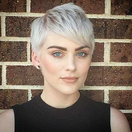 Casual Short Haircuts for Thin Hair-21