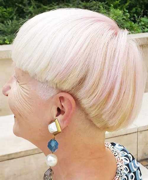 Short Bowl Haircuts for Ladies Over 60-6