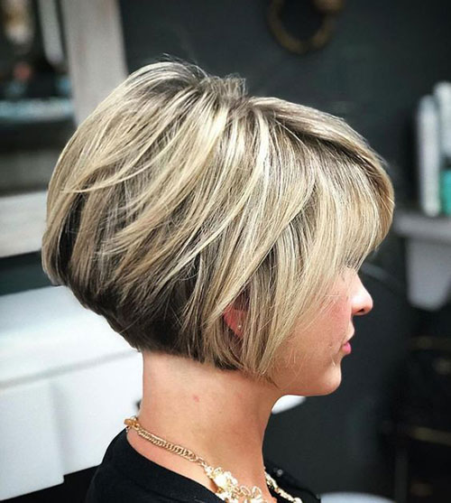 Short Layered Stacked Hairstyles-6