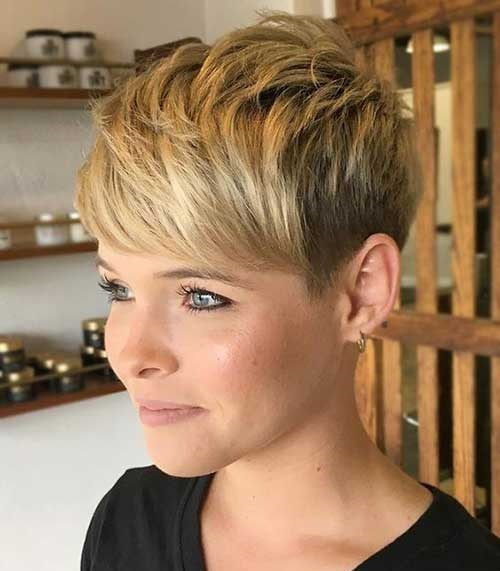 Short Choppy Pixie Hairstyles for Women-7