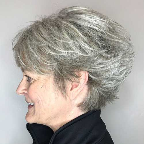 Short Pixie Haircuts for Ladies Over 60-7