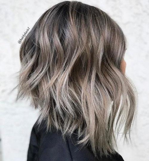 Inverted Medium Short Hairstyles-7