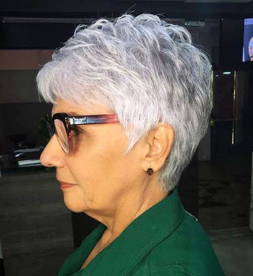 Easy Short Haircuts for Ladies Over 60-8