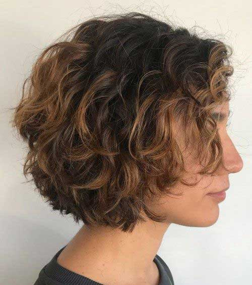 Simple Short Curly Hairstyles for Women-8