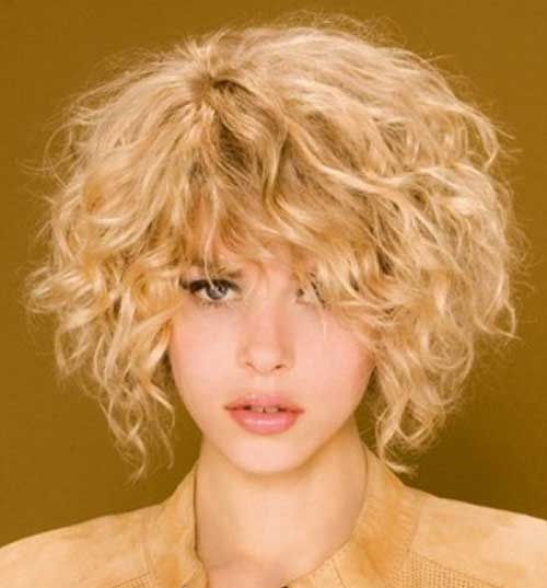 Cute Short Curly Hairstyles for Women-9