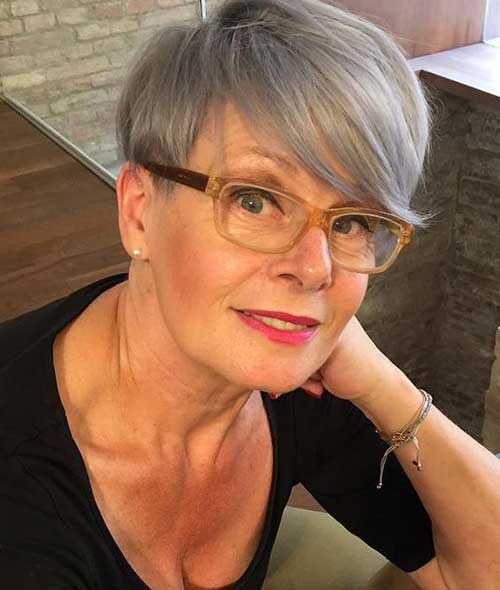 Short Haircuts for Fine Hair Over 60