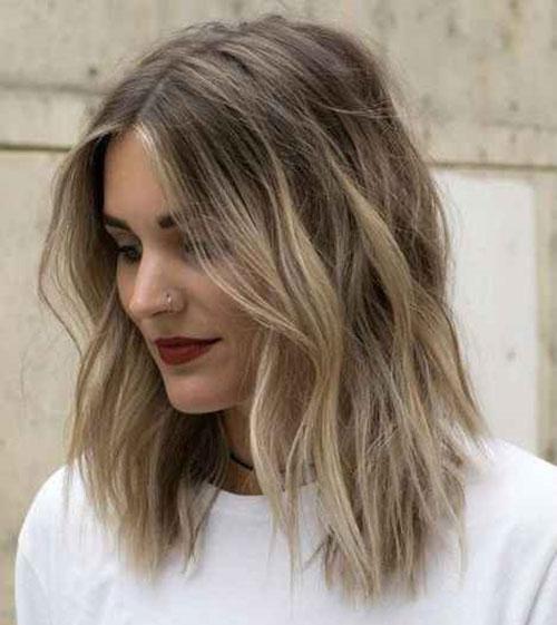 Wavy Medium Short Haircuts