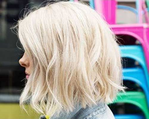 Short Haircuts for Women with Thick Hair-13