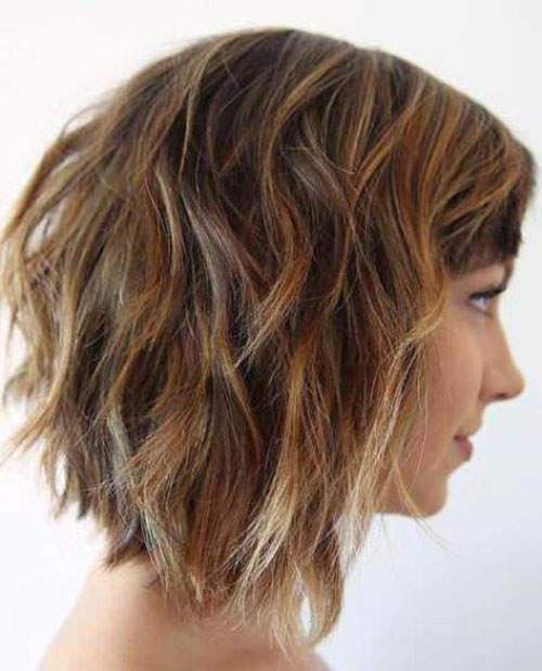 Layered Inverted Short Haircuts for Wavy Hair