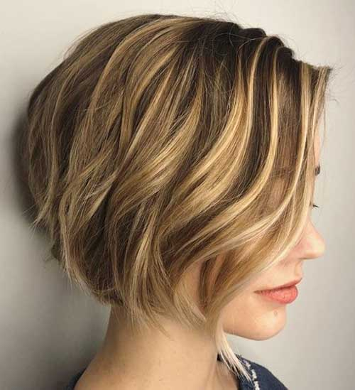 Short Graduated Bob Hairstyles-14