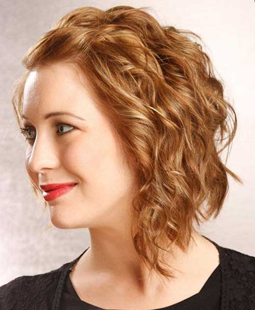 Cute Medium Short Haircuts for Women-16