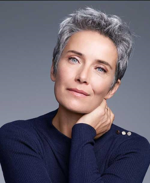 Natural Grey Hair Pixie Cuts for Older Women-19