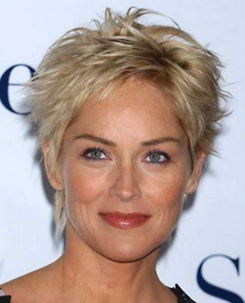 Blonde Pixie Cuts for Older Women-20