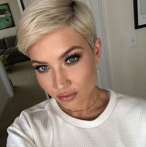 Side Parted Pixie Crop Haircut-20
