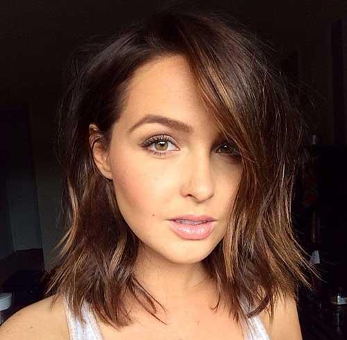 Choppy Medium Short Haircuts for Women-22