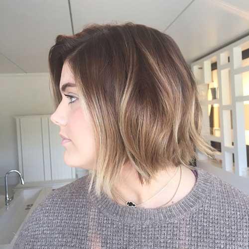 Choppy Medium Short Haircuts for Women-8