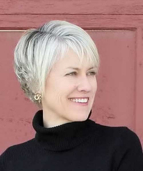 Simple Pixie Cuts for Older Women-8