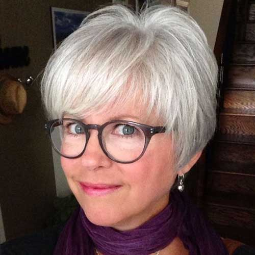 Cute Pixie Cuts for Older Women-9