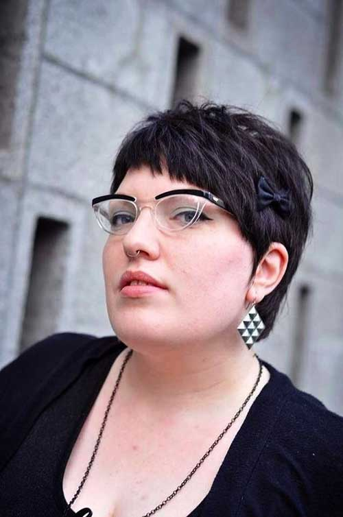 Short Haircuts for Plus Size Women-15