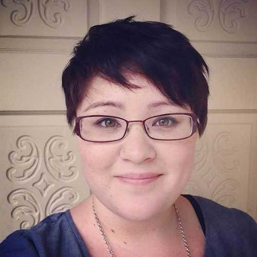 Short Haircuts for Plus Size Women-20