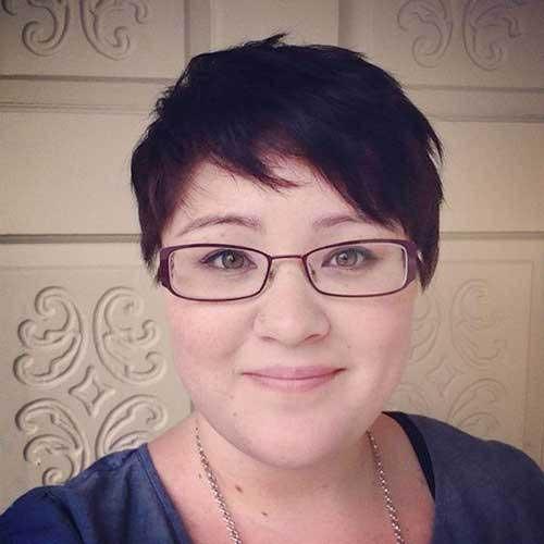 Short Haircuts for Plus Size Women-20