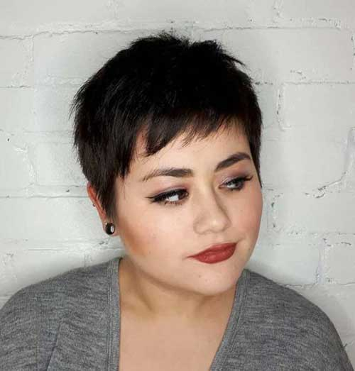 Short Haircuts for Plus Size Women-29