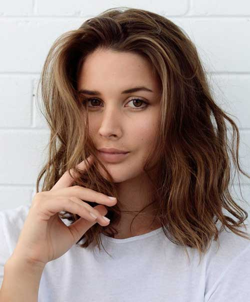 Casual Short Wavy Hairstyles